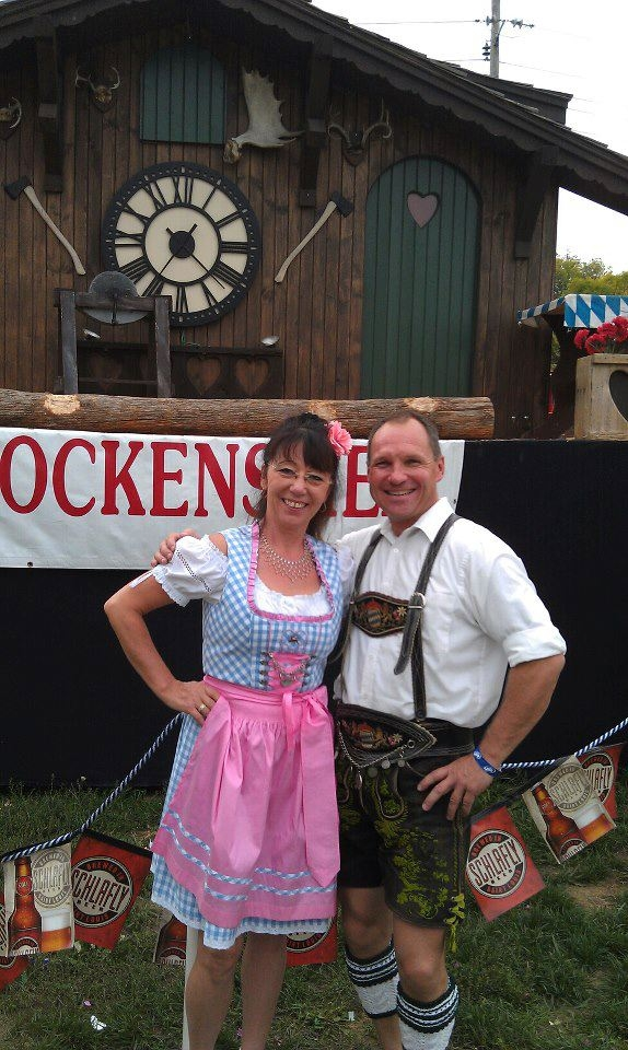 Dirndl girl with Joe
